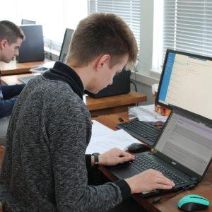 """7 ученици от ПМГ """"Акад. Ив. Гюзелев"""" отиват на национален кръг на олимпиада"""