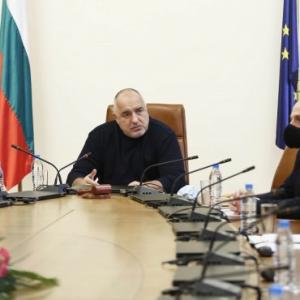 В първия ден на новия парламент Бойко Борисов депозира оставката на правителството