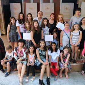 """Децата от ОУ """"Неофит Рилски"""" със 7 награди от фестивал в Албена"""