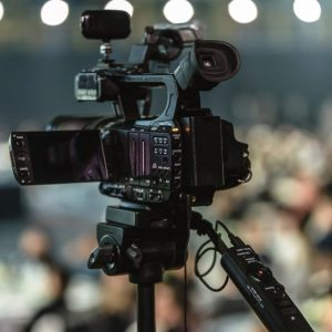 Пак за платената любов между властта и медиите