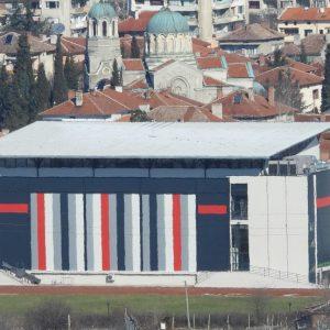 Покривът на новата спортна зала в Харманли протече
