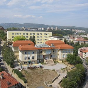 Технически университет – Габрово ще приема студенти с оценки от матурите, таксите остават същите