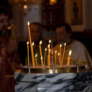 Здравните власти: Спазвайте противоепидемичните мерки в храмовете на Великден