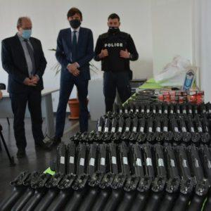 """Митничари на """"Капитан Андреево"""" задържаха голямо количество пистолети и боеприпаси (ВИДЕО)"""