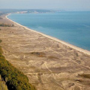 С тайна подмяна на файлове екоминистерството е премахнало забрана за строителство в Камчийски пясъци